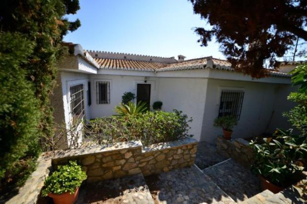 Entrance to 3 bedroom villa with separate studio