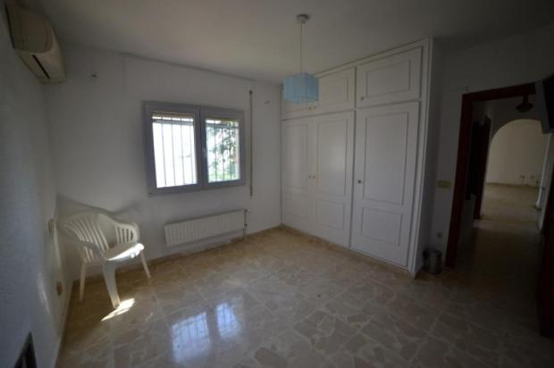 2nd bedroom in main house with sea views