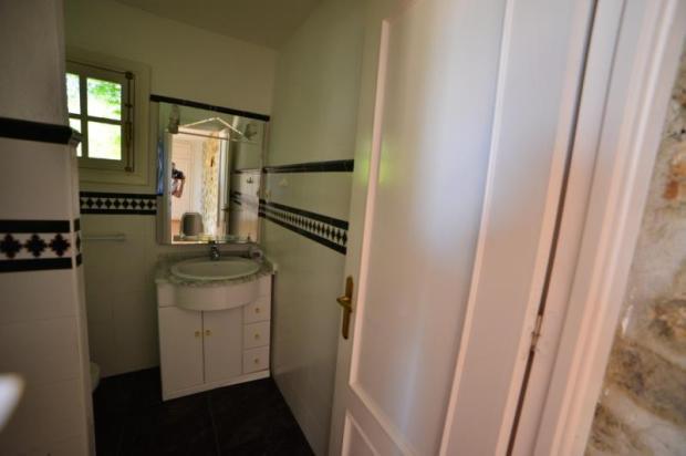 Shower room in studio apartment