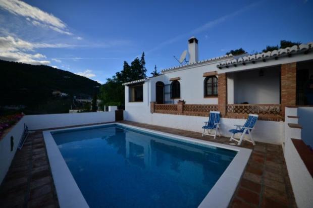 Villa for sale in La Herradura,