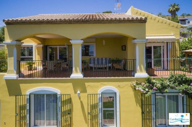 Elegant villa in perfect condition