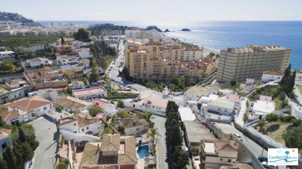 Villa is an easy walk to beach & town of Almunecar