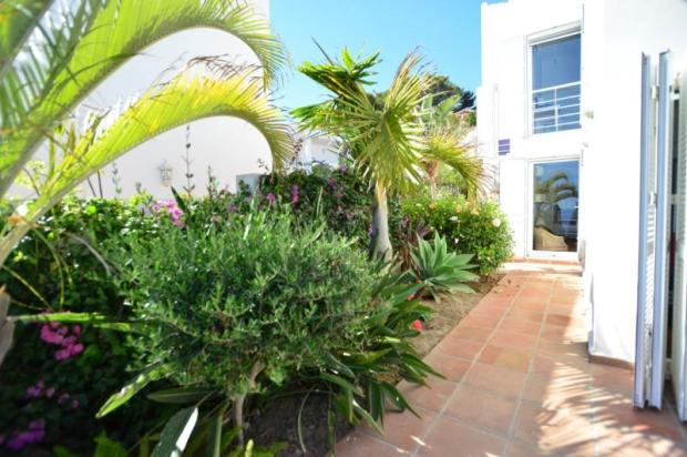 Nice garden&access to the terrace from one bedroom