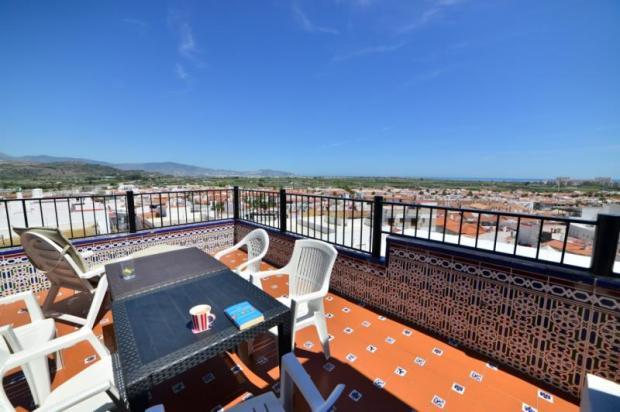 Nice penthouse with sea & mountain views