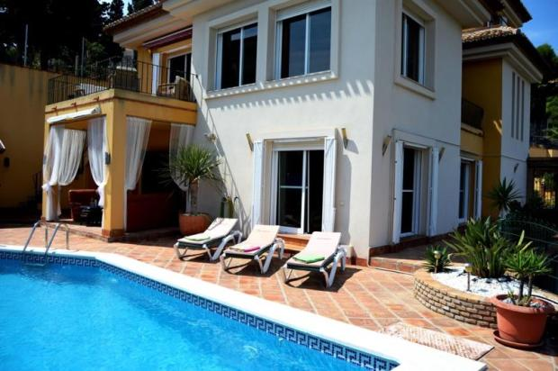 very spacious villa with separate guest apartment