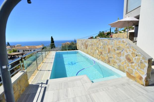 Private pool with spectacular sea views