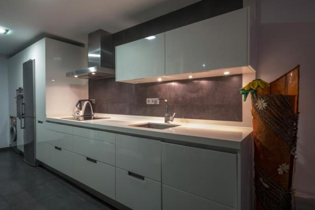 quality, fully fitted kitchen