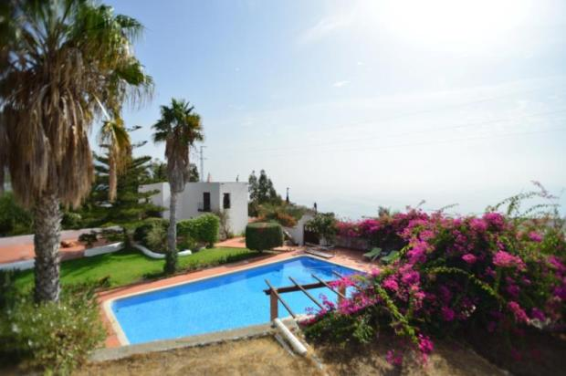 Separate guest house with amazing views