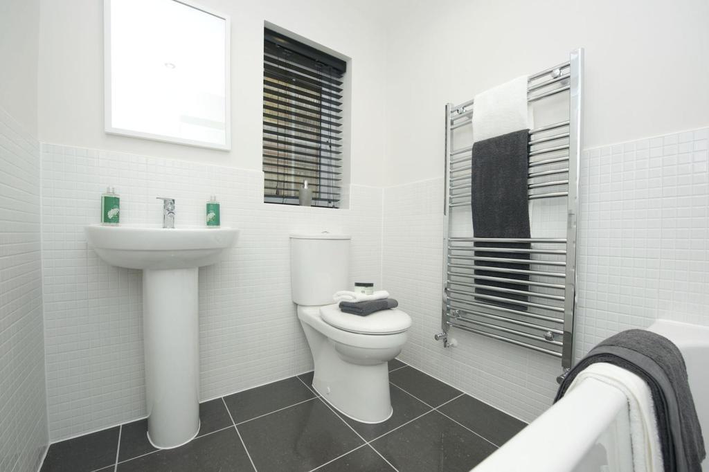 Falmouth bathroom