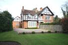 4 bed property in Woburn Hill
