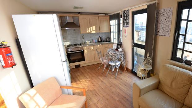 Open Kitchen/Lounge