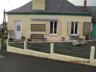 Saint-Michel-de-la-Roe. Village House for sale
