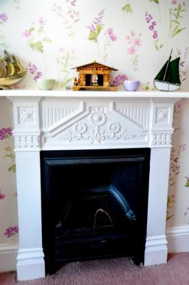Fireplace (Bed 1)
