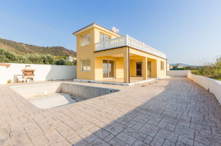 Villa for sale in Paphos, Polis
