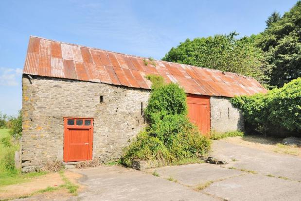 Large stone barn with access from garden