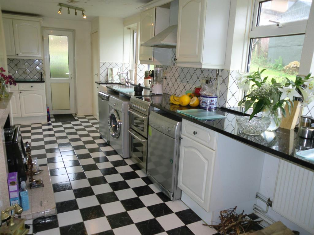 Good sized kitchen with door to the garden