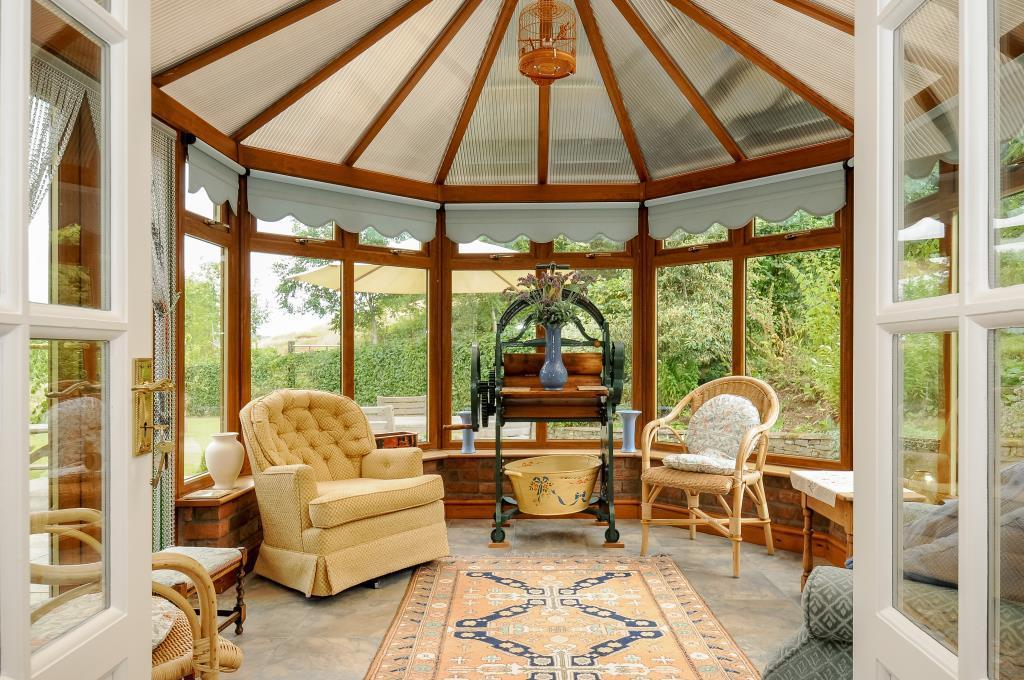 Lovely conservatory overlooking the gardens