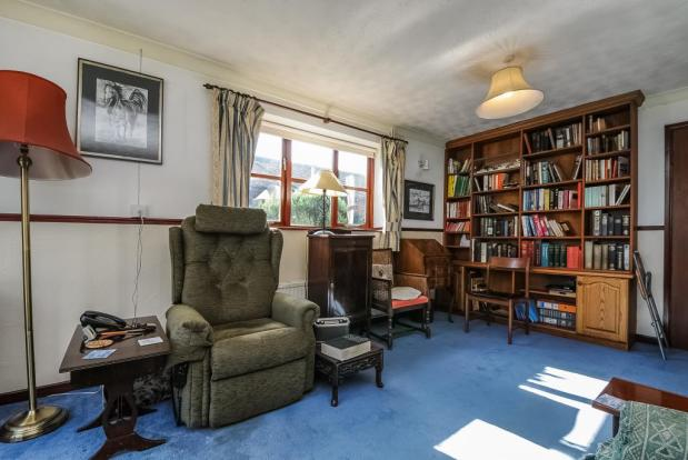 'L' shaped living room