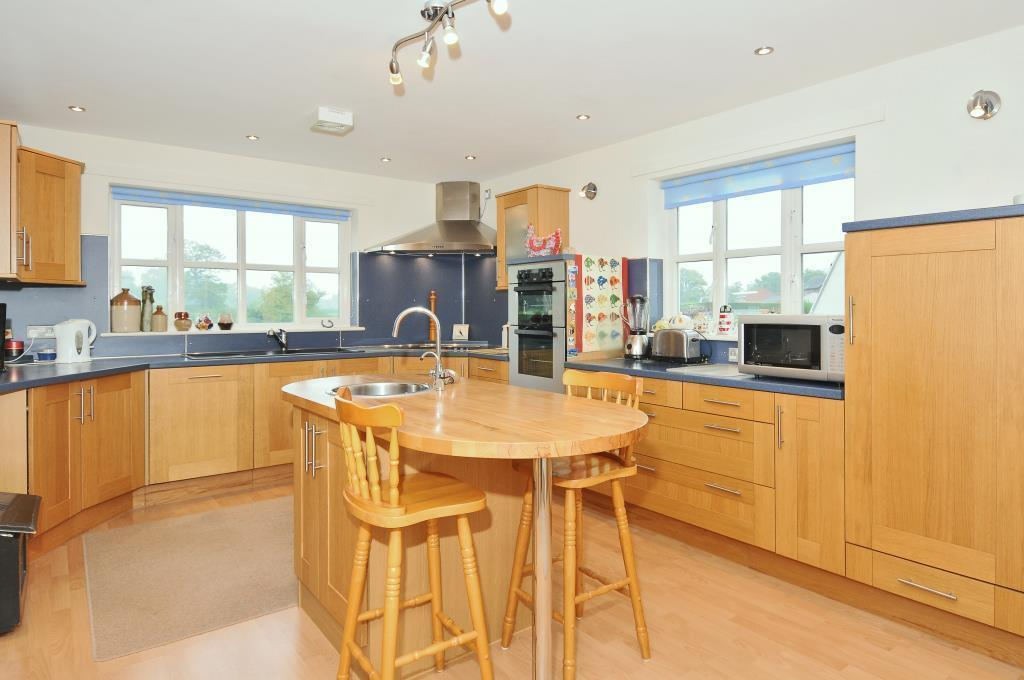 Very well appointed kitchen/breakfast room