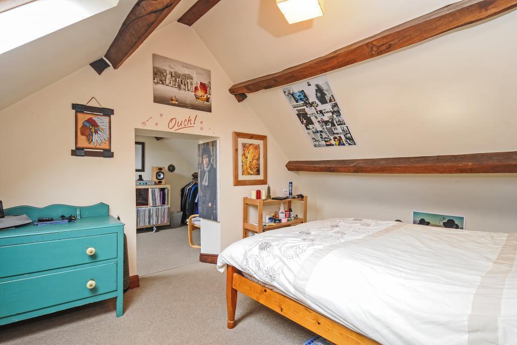 Bedroom 6 inter-connecting to Bedroom 7