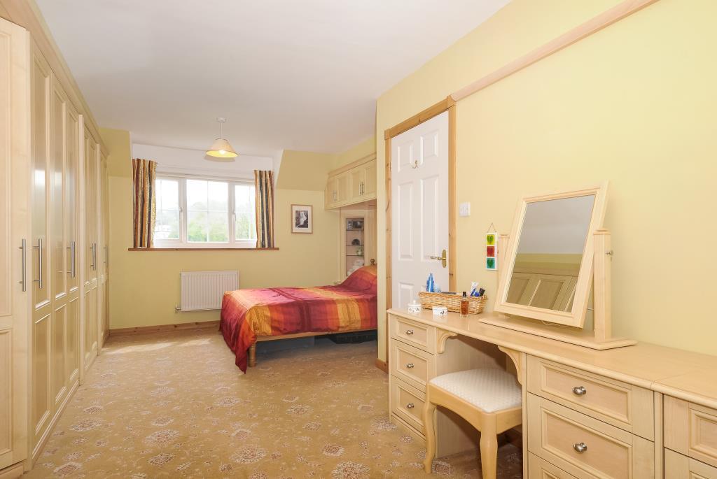 Master bedroom en-suite with dressing area