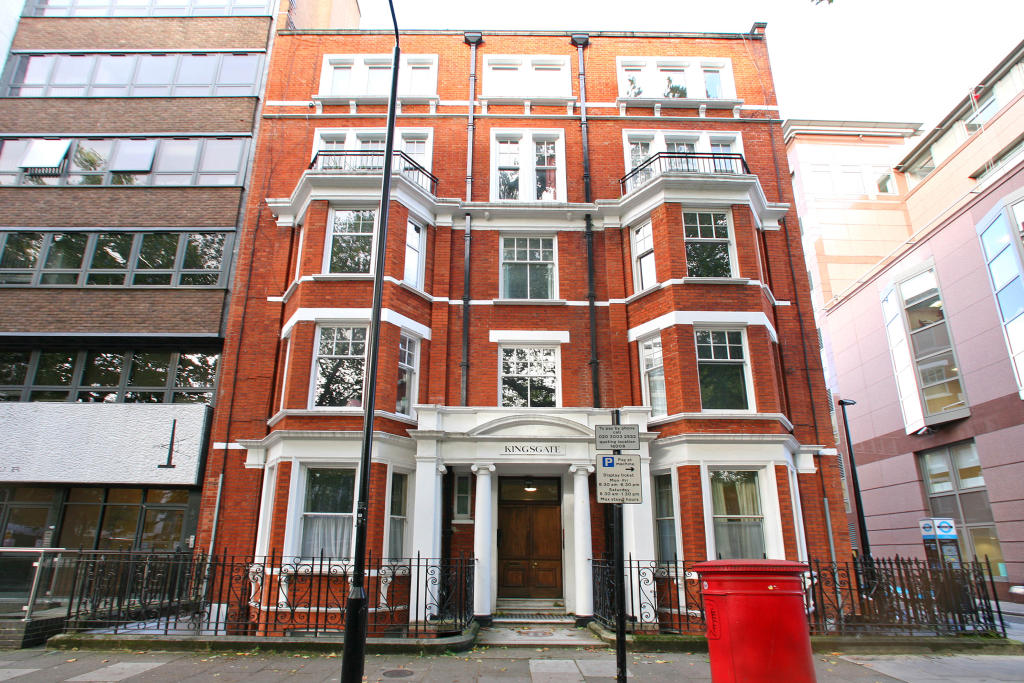 2 Bedroom Flat To Rent In Kingsgate Mansions Red Lion Square London Wc1r