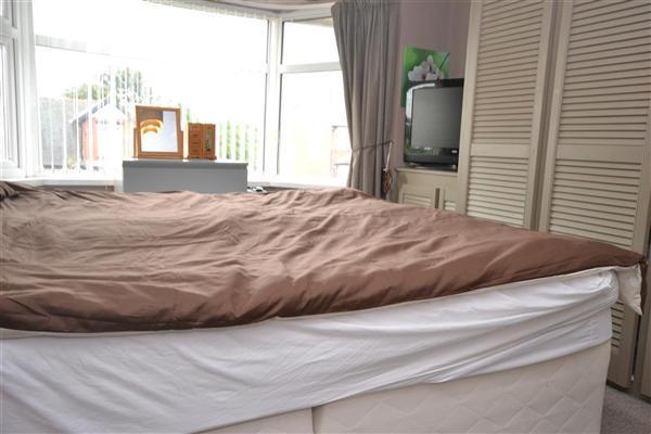 Bedroom 2 Main