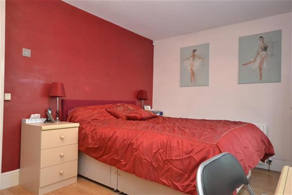 Double Bedroom 4 -