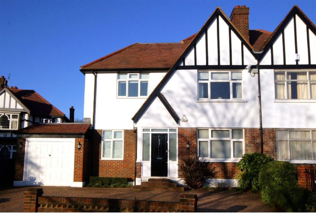5 Bedroom House For Sale In Abbots Gardens East Finchley