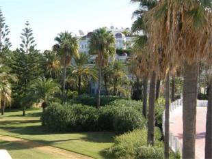 Penthouse for sale in Puerto Ban�s, Malaga, ...