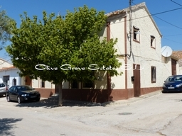 Village House for sale in Castile-La Mancha...