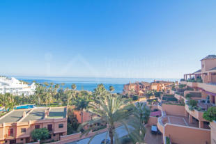 3 bed Penthouse for sale in Riviera Andaluza...