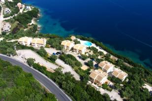 Town House for sale in Corfu Country Club...