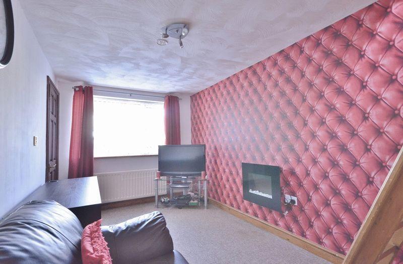 Bedroom/TV/gam...
