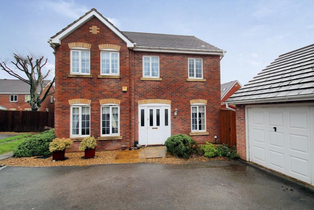 4 bedroom detached house for sale in woodland view st