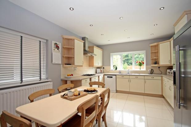 Large Kitchen / Brea