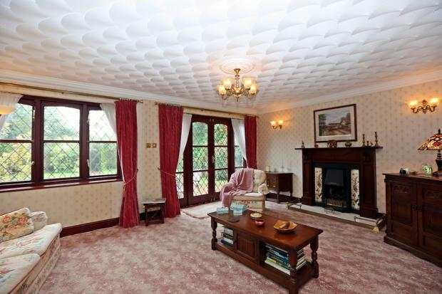 Large Sitting Room