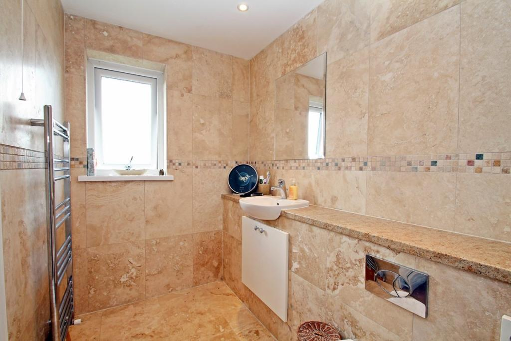 Re-Fitted En-Suite