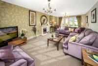 5 bed new property for sale in Worthing Road...