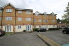 Studio apartment in Eagle Drive, London, NW9