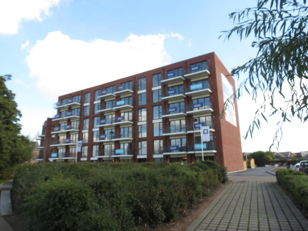 2 Bedroom Apartment To Rent In Youngman Place Taunton Somerset Ta1 Ta1