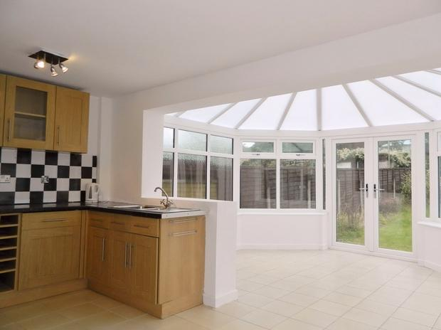 3 bedroom semi detached house for sale in rossendale close for Kitchen ideas 3 bed semi