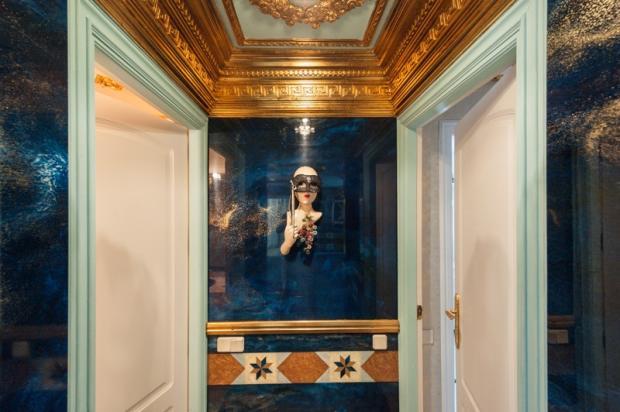 blue room b