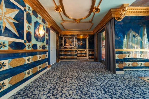 blue room a