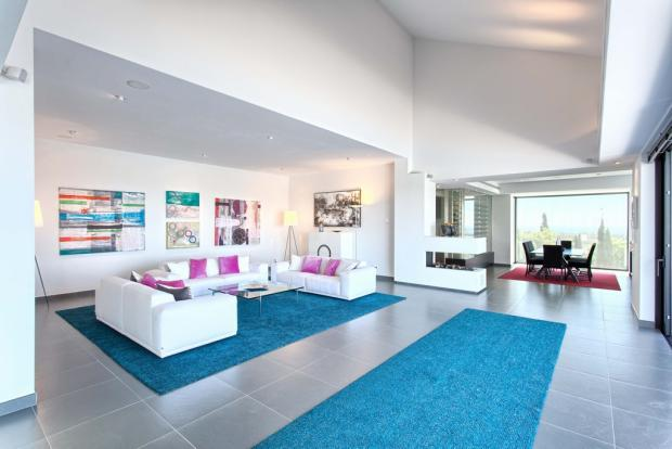 14 living area.jpg