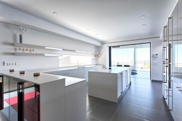 18 open plan kitchen