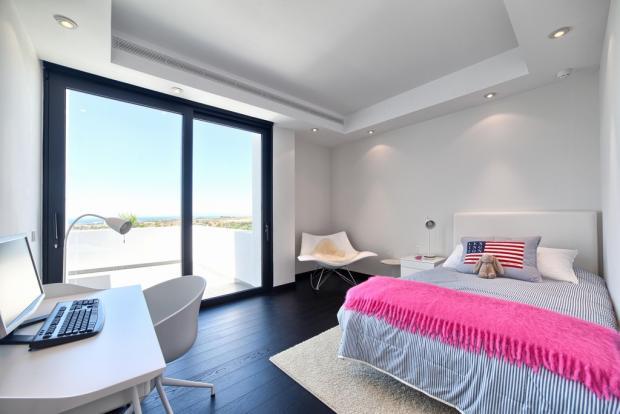 29 guest bedroom.jpg