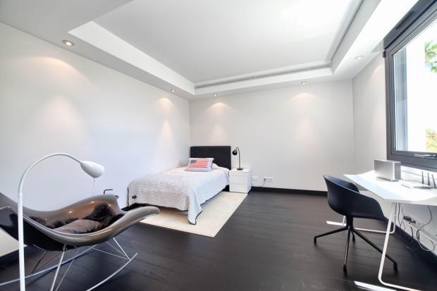 31 guest bedroom.jpg