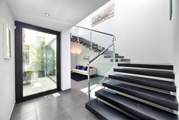 41 staircase.jpg