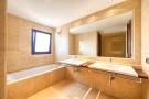 22 Bathroom.jpg